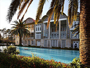 eram-garden-during Visiting the Pink mosque during traditional sports of iran tour