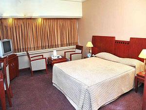 homa hotel shiraz room