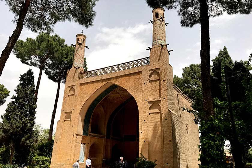 Menar Jonban, located in Isfahan, Iran