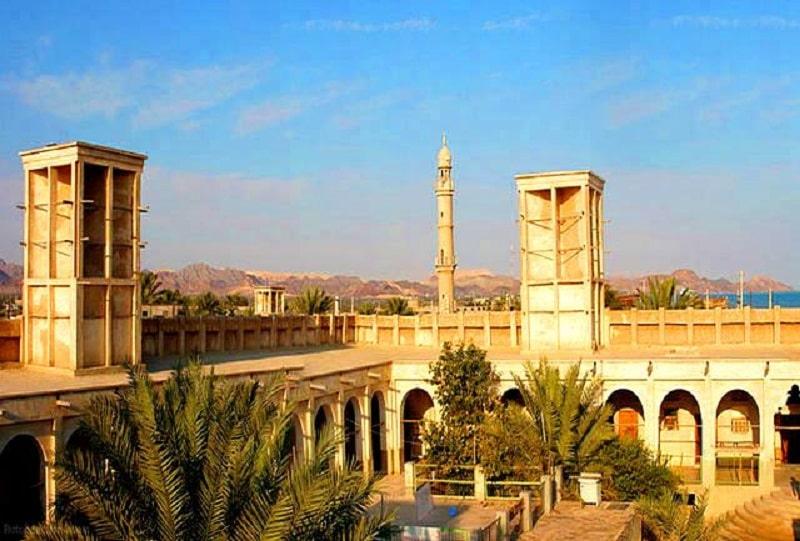 Moghvi Citadel , Bandar Lengeh