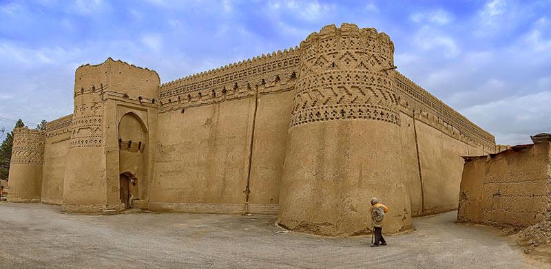 Mehrjerd Castle , Meybod