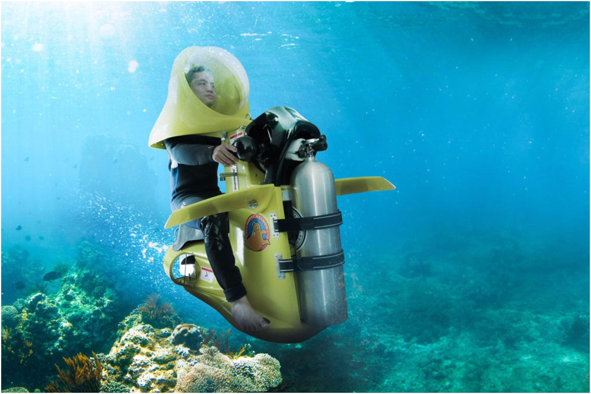 Submarine Scooter , Kish Water Sports