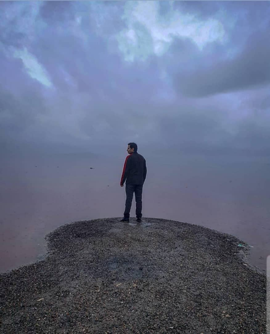 Maharloo Lake, Pink Lake. Photo: @SamDavani