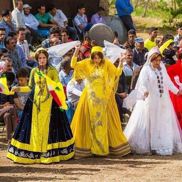 Qashqai local clothes