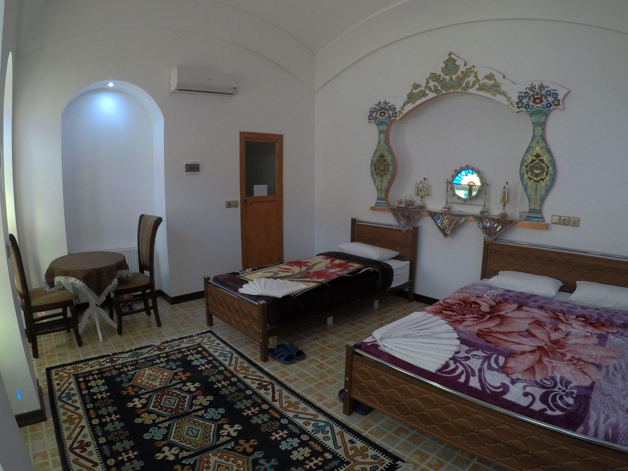 Amirza Hotel shahneshin