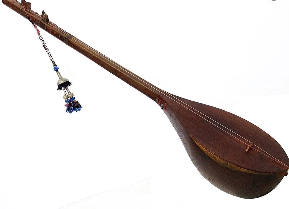 Dotar- Persian traditional music instrument