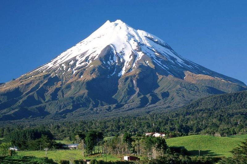Iran Destination: Mount Damavand,