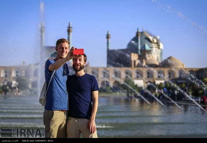 Isfahan twin towns - tourists