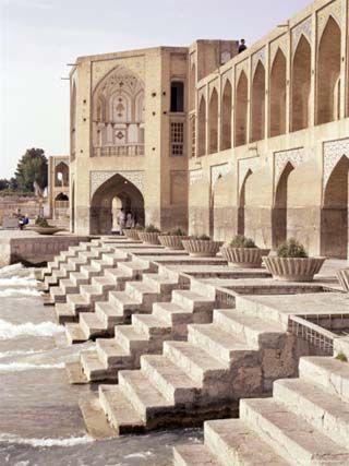 Pol-e-Khaju, Khaju Bridge - Review of Khajou Bridge, Esfahan, Iran