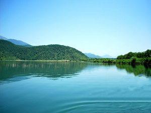 Nohur Lake - Iran & Azerbaijan combined tour