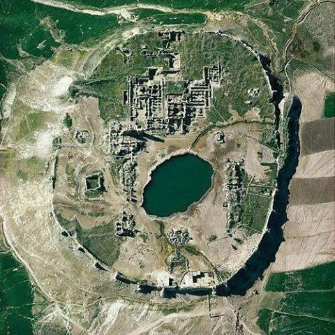 Eyes-bird view of Takht-e Soleyman