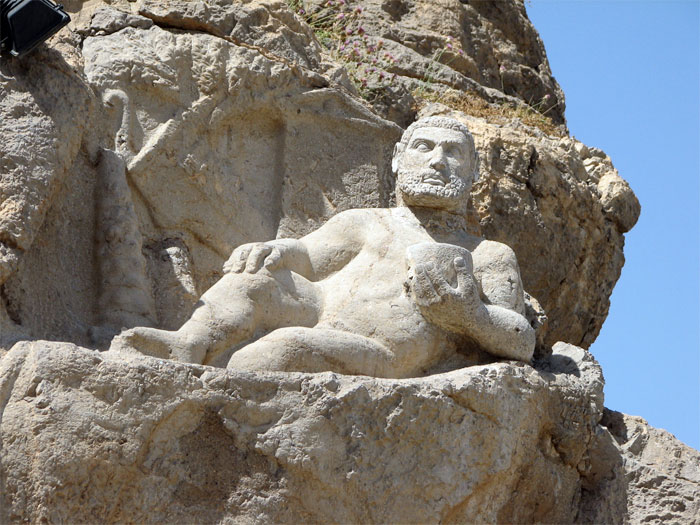 Travel to Iran, where East meets West (Statue of Hercules in Behistun)