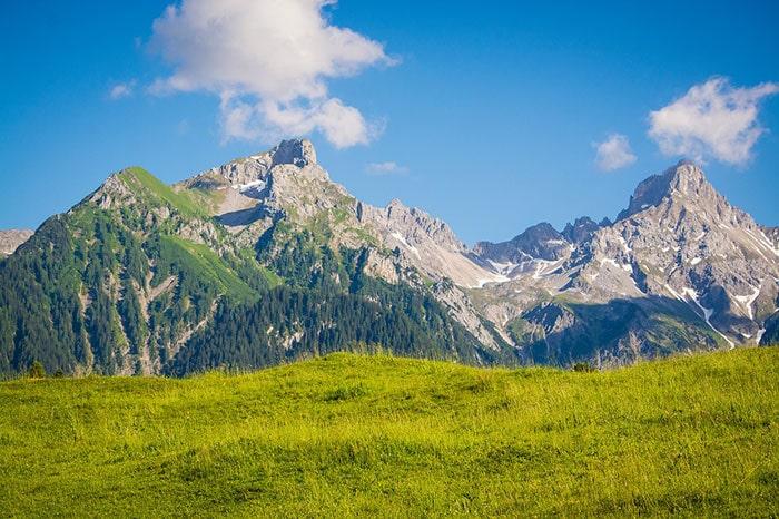 Dena Peak , Iran Mountains