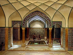 visiting Ganj Ali Khan Bath in Iran Desert tour