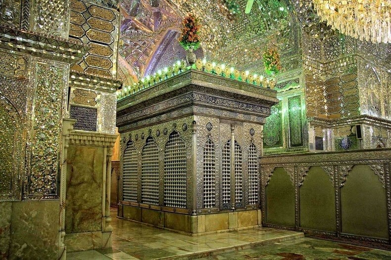 Shah-e-Cheragh Holy Shrine in Shiraz - Iran Destination