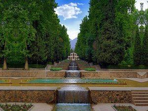 shazdeh garden -Iran Zoroastrian tour