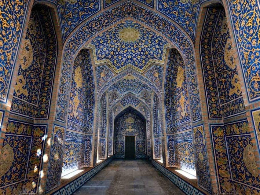 sheikh-lotfollah mosque. beautiful mosques in Iran